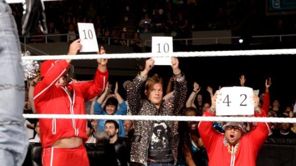 Judges guessing how many inches of stomach Tensai is exposing